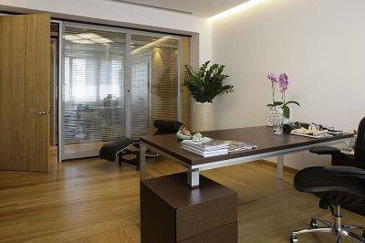 Ideas para el dise o de tu oficina o consultorio t remodela for Distribucion oficinas pequenas