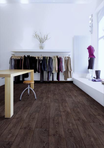 Pisos laminados de madera para locales comerciales y for Piso laminado de madera
